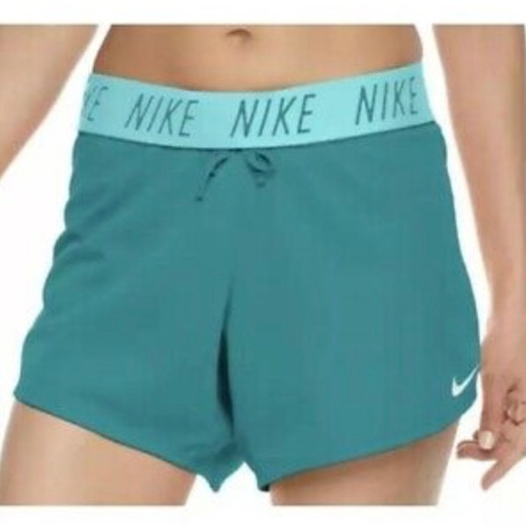 Nike Womens Dry Attack TR5 Training Shorts Dry-Fit